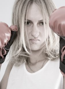 Free Blond Female Boxer Royalty Free Stock Photography - 2534347