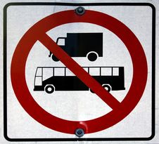 Free Heavy Vehicules Not Allowed Sign Royalty Free Stock Photos - 25305868
