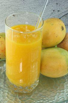 Free Fresh Mango Juice Royalty Free Stock Image - 25321586