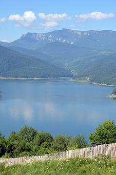 Free Bicaz Lake Stock Image - 25330961