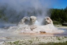 Free Geyser Erupting Royalty Free Stock Photography - 25347347