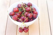 Free Fresh Cherry Royalty Free Stock Photography - 25352937