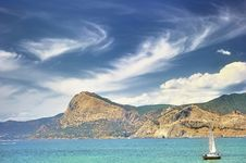 Free Yacht In The Sudak Bay Royalty Free Stock Images - 25356599