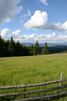 Free Mountain Fence Royalty Free Stock Photo - 25384615
