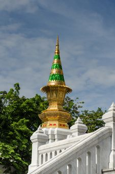 Free White Temple Detail Royalty Free Stock Photography - 25385537