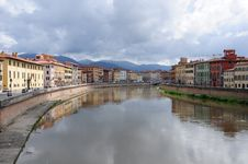 Free River In Pisa. Stock Images - 25390144