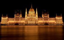 Free The Hungarian Parliament Building In Budapest At N Stock Photography - 25392142