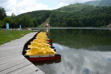 Free Mountain Mogosa Lake Royalty Free Stock Photography - 25395037