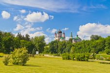 Free Park And Cathedral Stock Image - 25395061
