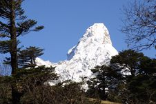 Free Himalaya Summit  Ama Dablam Stock Photo - 2545400