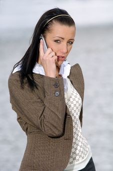 Free Woman On The Phone Royalty Free Stock Photography - 2546327