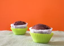 Free Two Muffins In Green Cups Royalty Free Stock Photos - 2549428