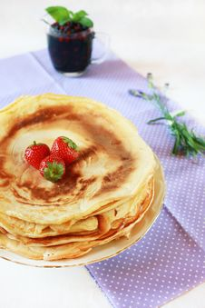 Bulgarian Pancakes Served With Berries & Lavender Royalty Free Stock Photo