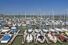 Free Yachts In San Francisco Marina Royalty Free Stock Photos - 25406588