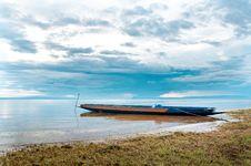 Free Ship On The Lake Bank Royalty Free Stock Photos - 25409008
