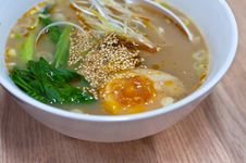 Free Instant Noodles Egg Royalty Free Stock Photo - 25416065