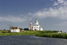 Free White Russian Church Near The River. Royalty Free Stock Photography - 25423507