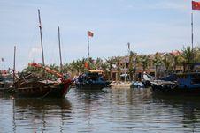Free Fisherman Boats In Thu Bon River, Hoi An, Vietnam Stock Image - 25427601