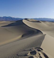 Free Sinuous Dunes Stock Photo - 25444130