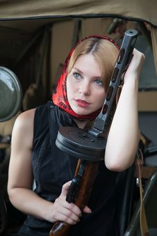 Free A Girl And A Gun Royalty Free Stock Photo - 25448825