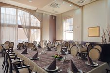 Free Hotel Restaurant Interior Stock Image - 25456701