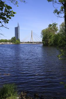 Vansu Tilts Riga Bridge With Modern Building Stock Images