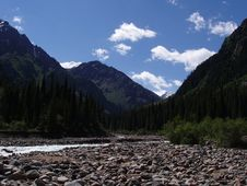 Free Mountain Valley Stock Photography - 25494722