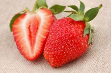 Free Strawberries Royalty Free Stock Photos - 2552518