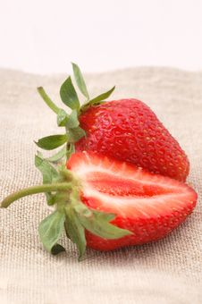 Free Strawberries Royalty Free Stock Image - 2552536