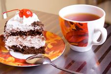 Free Tea Cup And Cake Royalty Free Stock Photo - 2552995