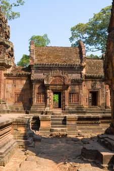 Free Banteay Srey Door Royalty Free Stock Images - 2556489
