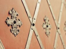 Free Gate With Rivets And Ancient Style Facing Royalty Free Stock Photography - 25525607