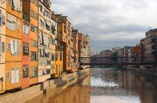 Free Girona, Onyar River, Spain Stock Photo - 25534930