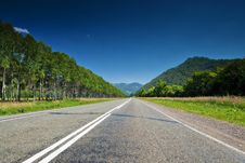 Free The Direct Road Leading Into The Mountains. Royalty Free Stock Images - 25536269