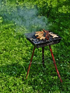 Free Barbeque Grill Royalty Free Stock Photo - 25541005