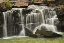 Free Waterfall Royalty Free Stock Photography - 25541297