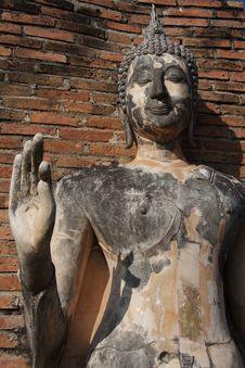 Free Standing Buddha Statue At Sukhothai Stock Photography - 25542842