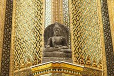 Free The Ancient Sandstone Buddha Statue Stock Images - 25543854