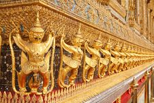 Free Statues Of Garuda In Temple, Thailand Royalty Free Stock Photography - 25543887