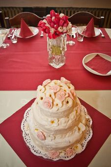 Free Wedding Cake Royalty Free Stock Photos - 25548638