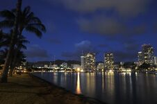 Free Honolulu City Lights Royalty Free Stock Photos - 25582938