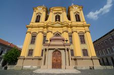 Free Yellow Cathedral Church Royalty Free Stock Photography - 25592197