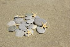 Free Stones With Starfishes Stock Image - 25606231