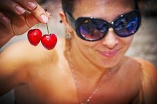 Free Two Sweet Cherries Royalty Free Stock Photography - 25613707