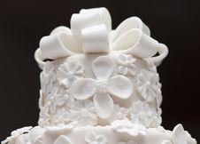 Free A White Wedding Cake Royalty Free Stock Photos - 25632368