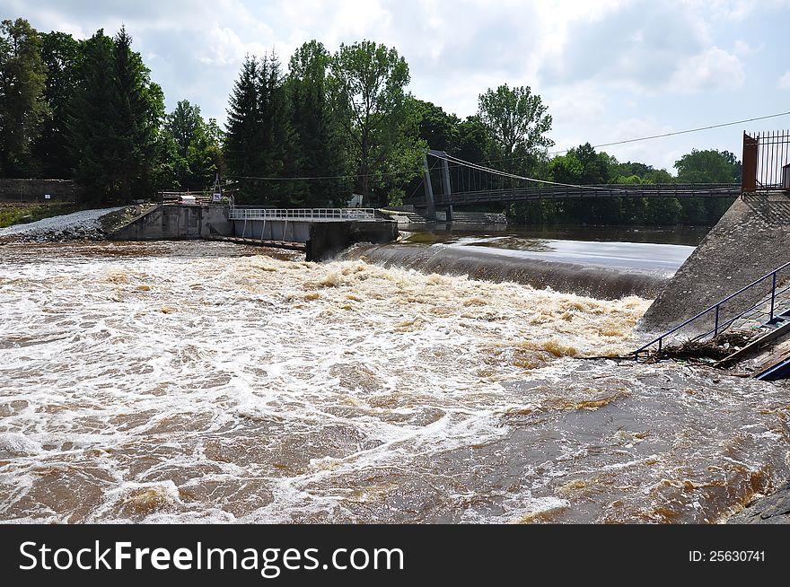 Big water on weir Strakonice
