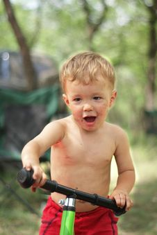 Free Boy On The Bicycle Royalty Free Stock Photography - 25642097
