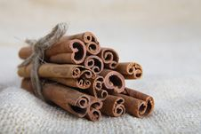 Free Closeup Of Cinnamon Sticks Royalty Free Stock Image - 25642936