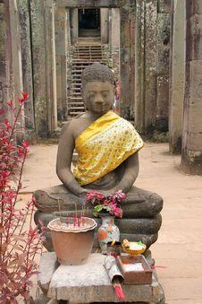 Free Buddha Statue And Khmer Art At Bayon Prasat, Angkor Thom Royalty Free Stock Images - 25646879