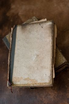 Free Old Burnt Books Royalty Free Stock Photography - 2570787